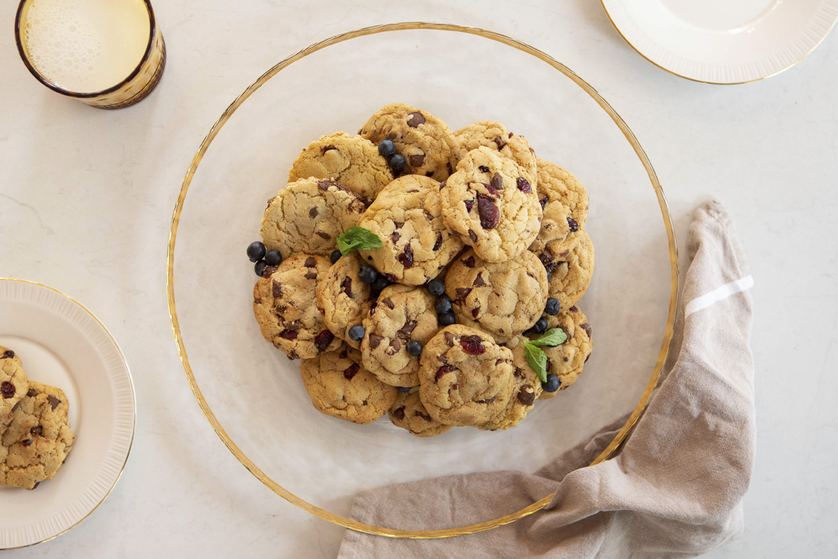 chocolate-cranberry-cookies